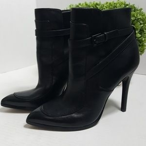 Pour La Victoire black leather buckle heel bootie